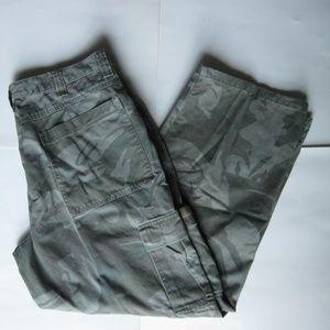 Wrangler camo print cargo pants